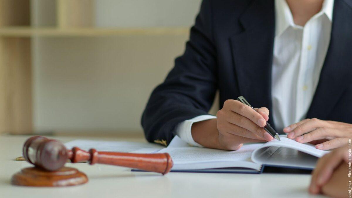 Was bei juristischen Übersetzungen von Firmen unbedingt zu beachten ist